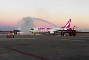 Recibe Mazatlán el primer vuelo de la aerolínea Swoop