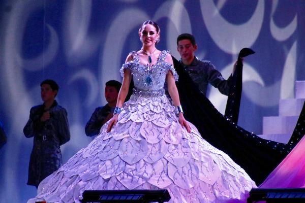 Coronaciòn Reina Juegos Florales Carnaval de Mazatlàn Yamile I 2019 1