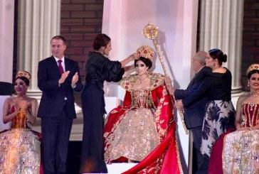 Corona El Gobernador de Sinaloa a Karla II como Reina del Carnaval de Mazatlán