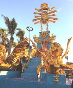 Primer Gran Desfile del Carnaval Internacional de Mazatlán 2019 Carroza Real b