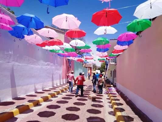 El Pueblo Señorial de San Ignacio se desborda en fiesta y fe religiosa en Semana Santa 2019 Callejón Paraguas