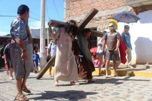 El Pueblo Señorial de San Ignacio se desborda en fiesta y fe religiosa en Semana Santa 2019 Viacrucis 1