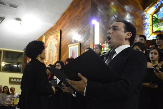 Adán Pérez brinda exitoso concierto de beneficencia en Iglesia San Carlos Borromeo