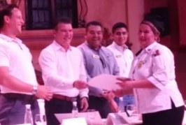"""Secretario de Turismo entrega """"Distintivo H"""" al hotel Playa Mazatlán"""