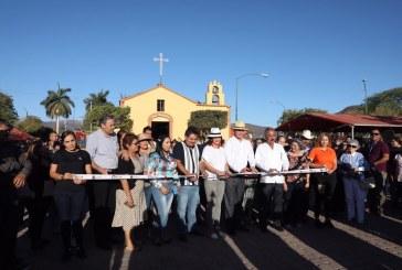 Entrega Quirino obra de adoquinamiento en Tacuichamona