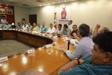 Gestiona Quirino apoyos para el sector acuícola de Sinaloa