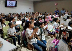 Las Niñas y Niños de 10 de Café El Marino 2019 2