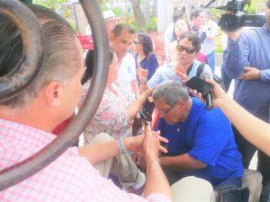 Quirino Ordaz Coppel en Plazuela República de Mazatlán con Turistas Agosto de 2019 1