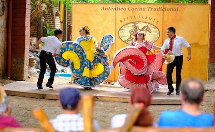Turistas de Cruceros Experimentan México en El Quelite