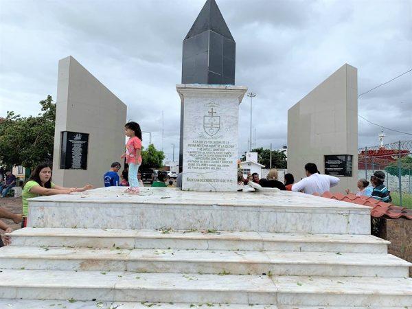 Cae la Virgen del la Puntilla con Tormenta Narda Mazatlán 2019 5