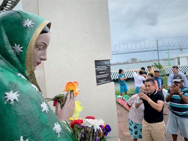 Cae la Virgen del la Puntilla con Tormenta Narda Mazatlán 2019 6