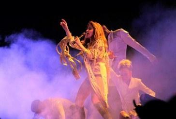 La Gloria Trevi pone a bailar a los mazatlecos y sus invitados