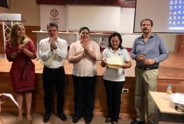 Cursos de capacitación a estudiantes de Turismo y Gastronomía de la UAdeO