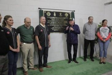 Devela Quirino placa demodernización del estadio Emilio Ibarra Almada