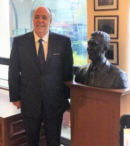 Carlos Berdegué Sacritán Recibe el Premio a la Excelencia Turística 2019 2