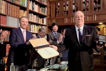 Carlos Berdegué Sacristán Recibe el XXX Premio a la Excelencia Turística