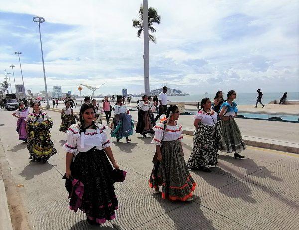 Desfile 20 de Noviembre Mazatlán Sinaloa México Zona Trópico 3