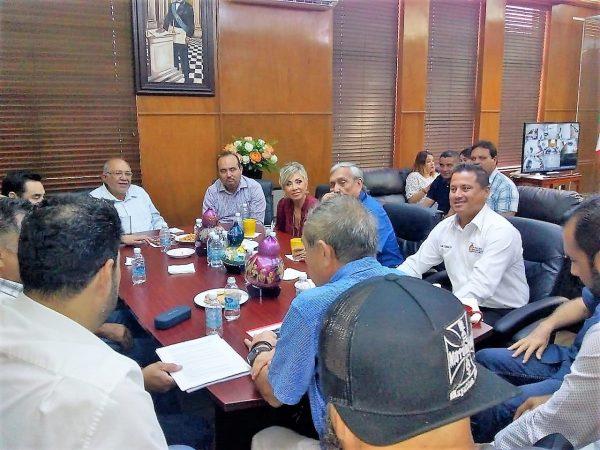 Empresarios Apoyan Disidentes de Moto Club Mazatlán 2019 Reunión 2 2 Alcalde Benítez Torres 2