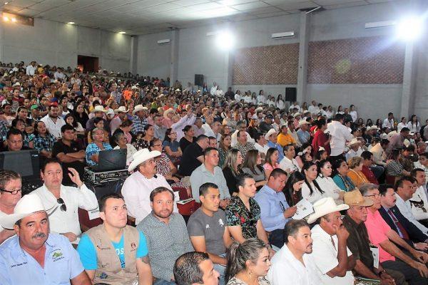 Iván Báez Martínez rinde su primer informe de gobierno 3