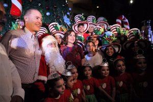 Encendido del Árbol de Navidad en Villa Navideña Culiacán Sinaloa México 2019 2