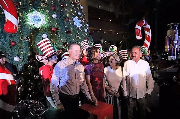 Ev Villa Navideña se Enciende el Árbol de Navidad más Alto de Sinaloa 2019 (4)
