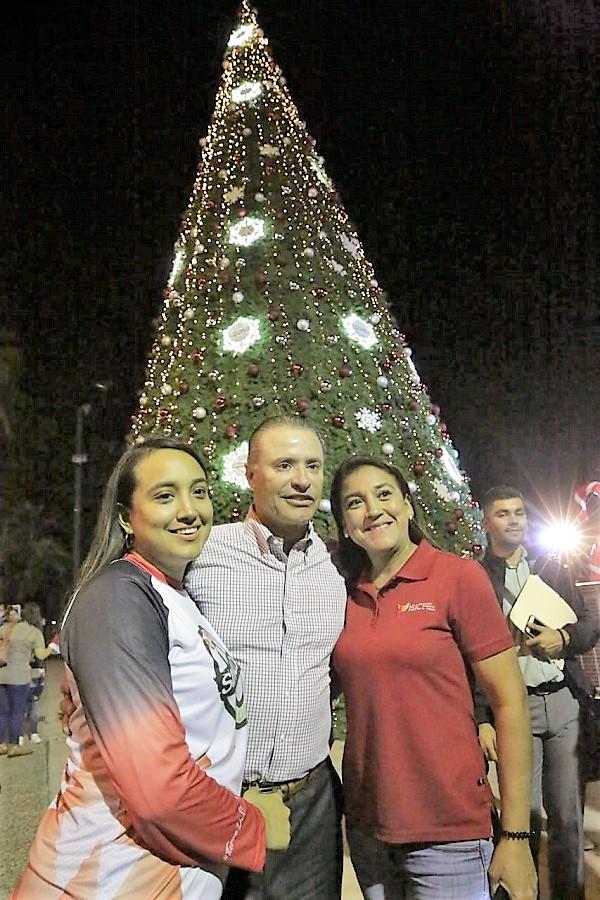 Ev Villa Navideña se Enciende el Árbol de Navidad más Alto de Sinaloa 2019 (5)