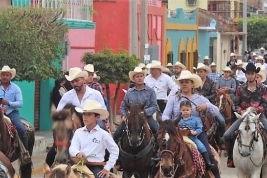 Más de 100 jinetes participan en VI Cabalgata La Amistad