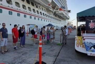 Llega a Mazatlán el crucero turístico Carnival Panorama