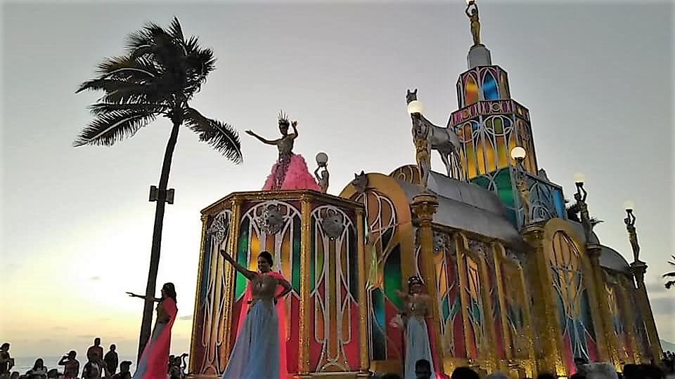 Carnaval Internacional de Mazatlán 2020 Carroza Brianda I
