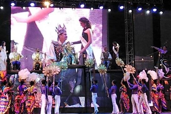 Coronan a Paco Vazga como Rey del Carnaval de Mazatlán 2020
