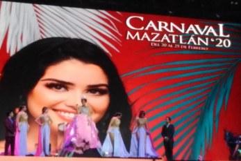 Coronan a Brianda como Reina de los Juegos Florales del Carnaval de Mazatlán 2020