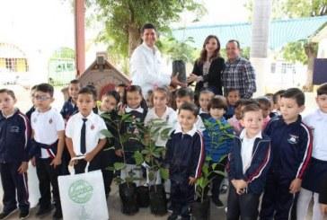 Entregó 3 mil 400 árboles regionales al Ayuntamiento de Mocorito