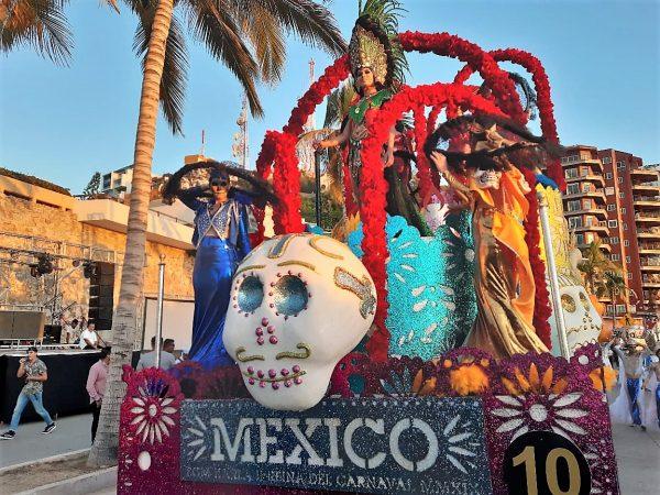 Primer Desfile Domingo de Carnaval de Mazatlán 2020 Carro Alegórico