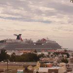 Llegó el crucero turístico Carnival Panorama con 5,896 visitantes.