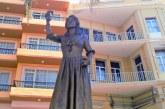 Los Marinos Mercantes del Mundo tienen a su Bella Lola en Mazatlán