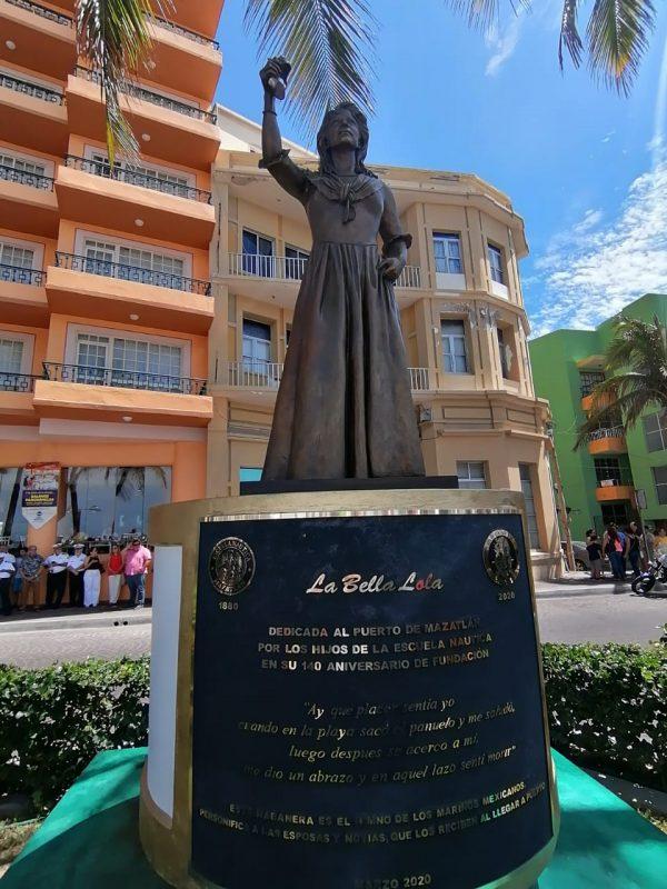 La Bella Lola en Olas Altas de Mazatlán 2020