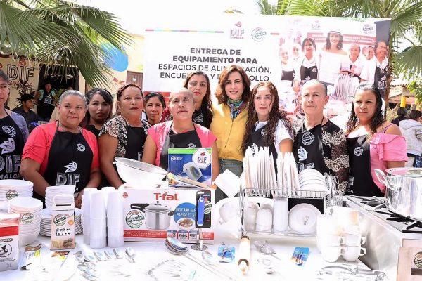 Rosy Fuentes de Ordaz El Turle San Ignacio Sinaloa México ZOna Tropico Visita DIF 4