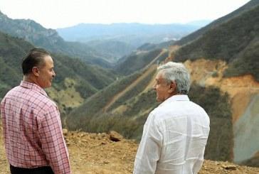Supervisan AMLO y Quirino construcción de la carretera Badiraguato-Chihuahua
