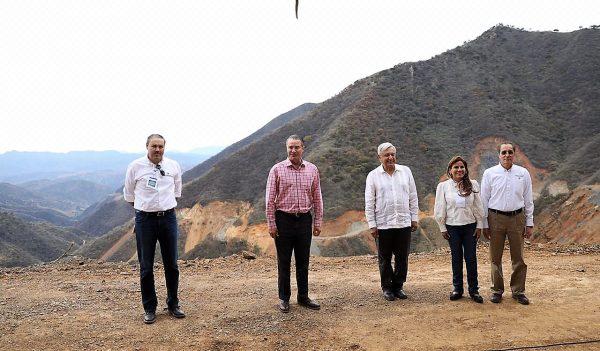 Supervisan AMLO y Quirino construcción de la carretera Badiraguato Chihuahua 6