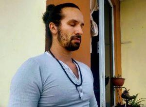 Carlos Zamora, meditación dinámica guiada