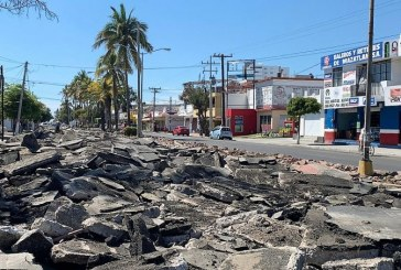 Los desfiguros del Químico Benítez Torres a todo lo que da en plena Crisis de Salud