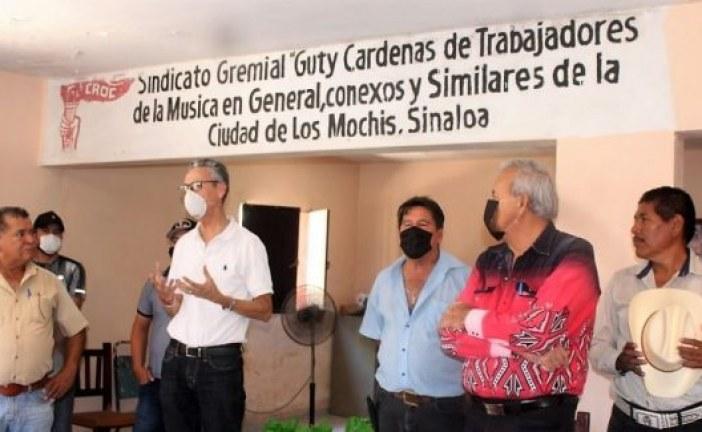 Distribuye el ISIC 200 despensas más a músicos de Los Mochis