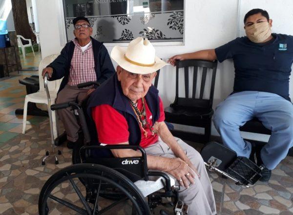 Pesca Azteca Apoya Asilo de Ancianos La Imaculada de Mazatlán por Covid - 19 2020 2 (3)a