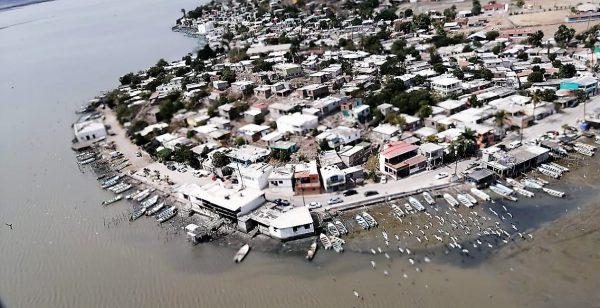 La Secretaría de Seguridad Pública de Sinaloa a través de la Policía Estatal Preventiva, lleva a cabo recorridos aéreos y terrestres de vigilancia en la costa del pacífico, desde el municipio de Culiacán hasta Ahome para evitar conglomeraciones de visitantes ante el Covid-19.