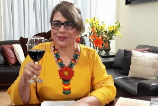 Silvia Michel a las Madres del Mundo les Dedica su Poemario Mujeres y Silencio