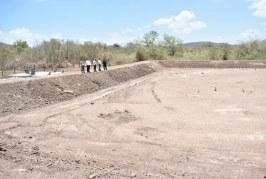 Supervisa Geovani Escobar terminación de obras en comunidades