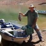 Siembran un millón 200 mil crías de tilapia en la presa José López Portillo