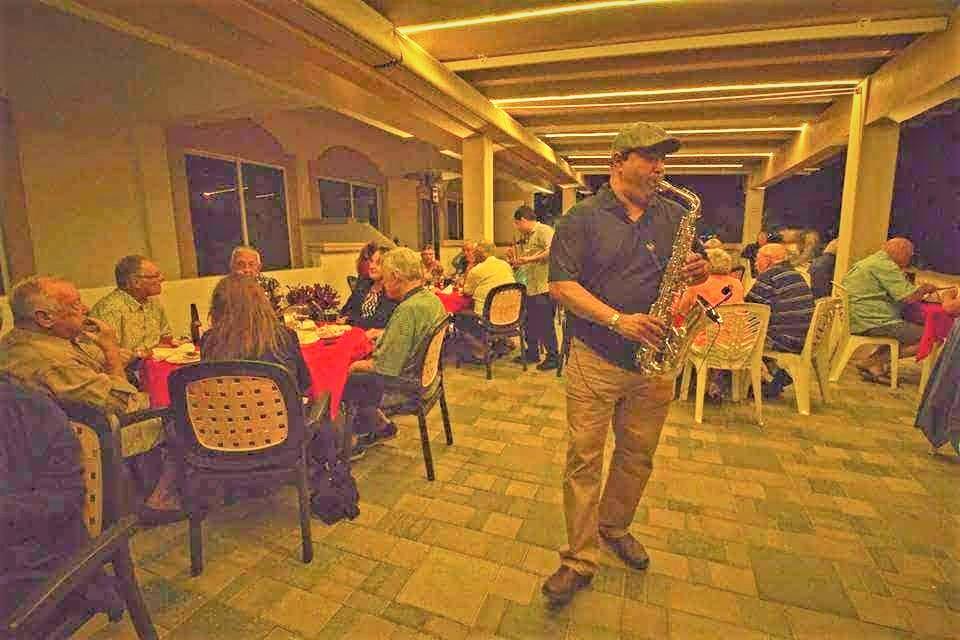 Jorge González López El Cuate en Concierto Saxofón Romatico Día del Padre en Mazatlán Interactivo 2020 (2)