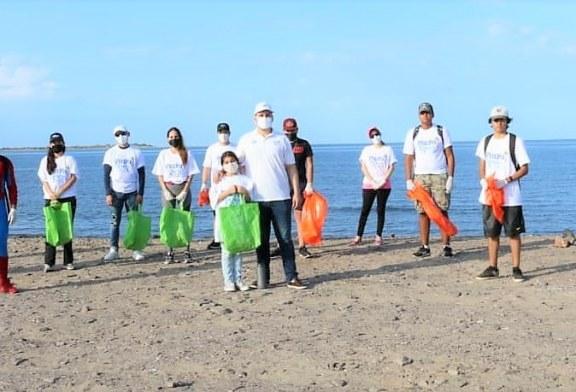 Ciudadanos de Ahome Limpian la Isla del Maviri en Ahome