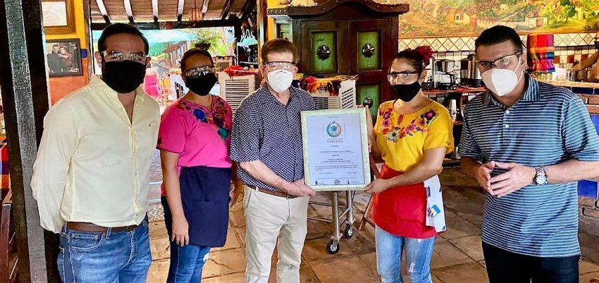 Restaurante El Mesón de los Laureános Recibe Distintivo de Sanidad de Sectur Sinaloa 2020 CV 19 (1)